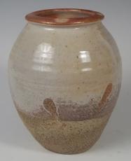 29 shino vase